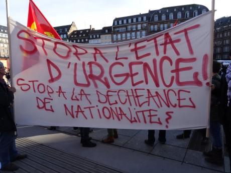 Strasbourg manifeste contre l'état d'urgence, la déchéance de nationalité et l'Europe forteresse