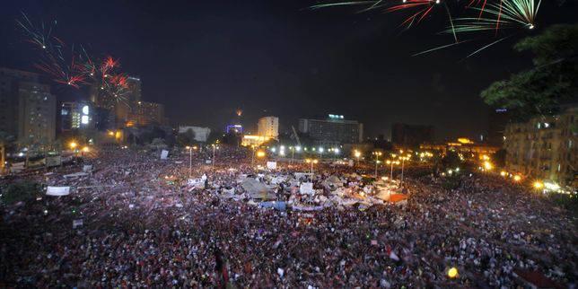 Live: Fête place Tahrir, Morsi dégagé par l'armée surfant sur le mouvement populaire