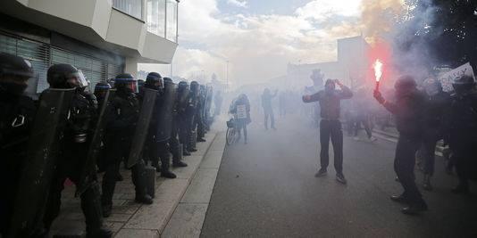 Manifestations de Nantes et Toulouse : la police blesse des manifestants et des journalistes