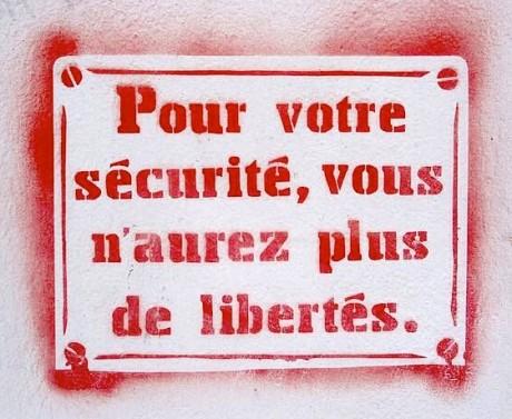 """Des députés du Front de Gauche ont voté le projet de loi """"anti-terrorisme"""""""