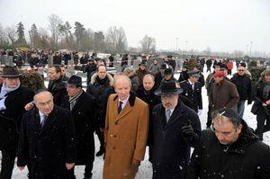 """Après la profanation du cimetière juif de Strasbourg-Cronenbourg, le ministre aux déclarations racistes, Hortefeux """"dénonce"""" le racisme…"""