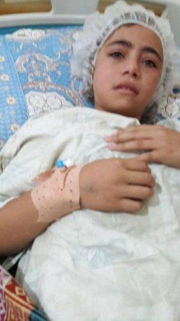 Anam Alatar, fillette palestinienne de Gaza, âgée de 12 ans, souffre d'insuffisance rénale.