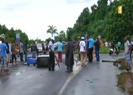 Mayotte: grève générale, silence colonial et blindés pour la répression