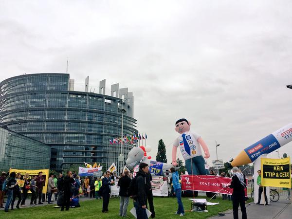 Deux rassemblements anti-Tafta au Parlement européen
