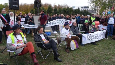 Rassemblement anti GCO autour des grévistes de la faim, dans une ville occupée par la police