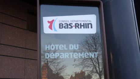 Campement de demandeurs d'asile au pied du Conseil départemental du Bas-Rhin et rue des Canonniers