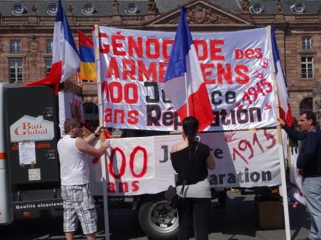 Marche du centenaire du génocide arménien et cérémonie d'hommage à Strasbourg