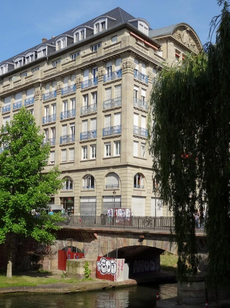 quai_privatisé_Strasbourg_feuille2chou