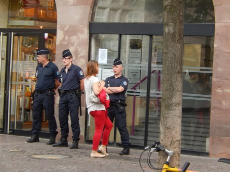 crif_alsace_police_feuille2chou_photo