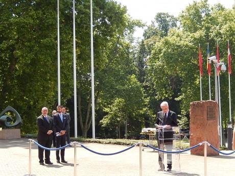 Commémoration du génocide des Roms devant la Conseil de l'Europe à Strasbourg