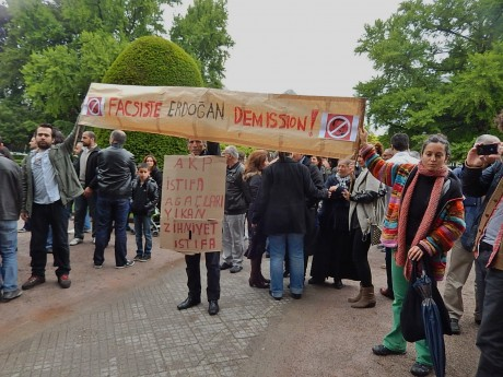 solidarité Strasbourg Turquie en lutte feuille2chouphoto