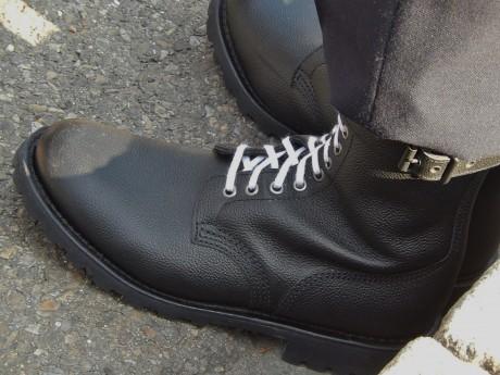 lacets blancs de gendarmes et de boneheads feuille2chouphoto