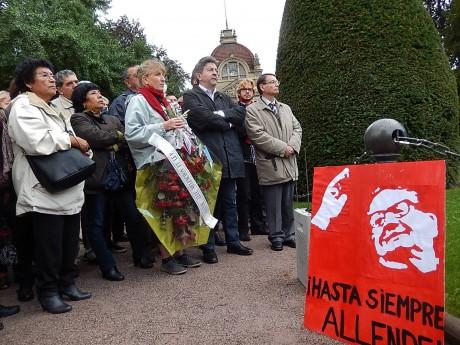 Hommage des Chiliens d'Alsace et de Jean-Luc Mélenchon à Salvador Allende