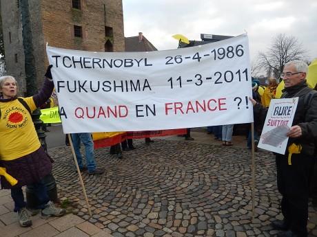 Manifestation antinucléaire à Strasbourg près du Conseil général et sur le barrage Vauban