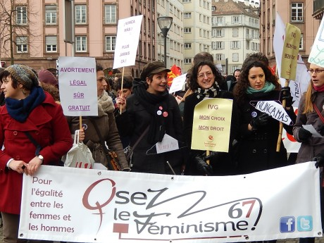 Manifestation en défense du droit à l'IVG à Strasbourg