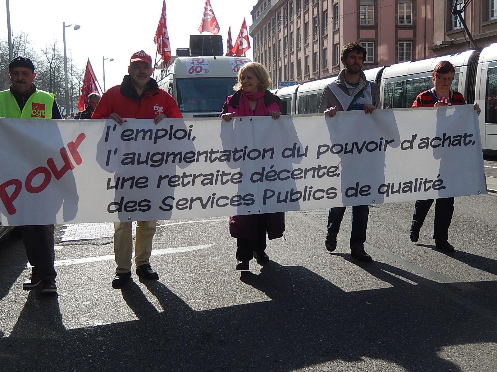 """Manifestation intersyndicale contre le """"pacte de responsabilité"""" à Strasbourg"""