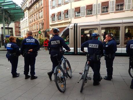 police partout strasbg feuille2chouphoto