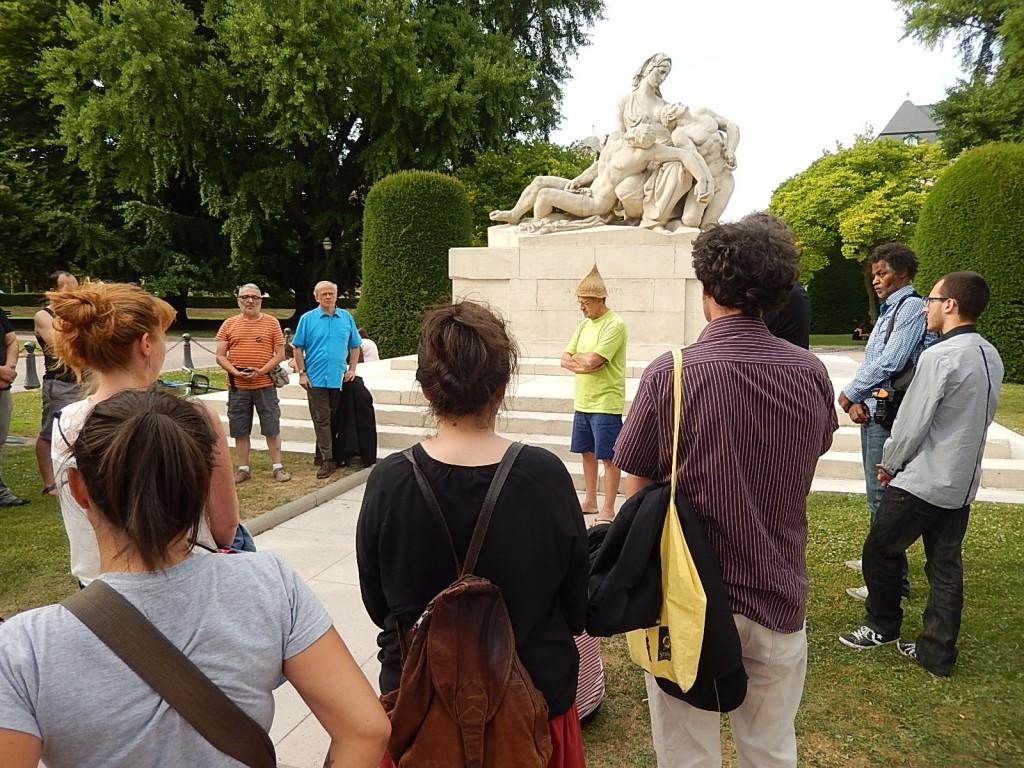 Rassemblement au monument aux morts de Strasbourg pour tous-tes les Darius des quartiers