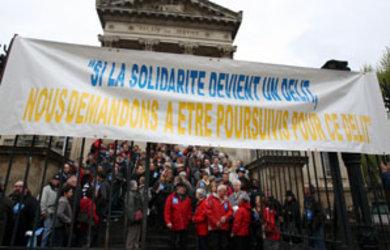 Des-centaines-de-manifestants-ont-denonce-a-travers-toute-la-France-le-delit-de-solidarite-.-Ici-a-Perpignan._pics_390