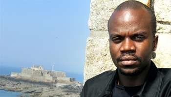 Un écrivain rwandais se voit refuser la nationalité française