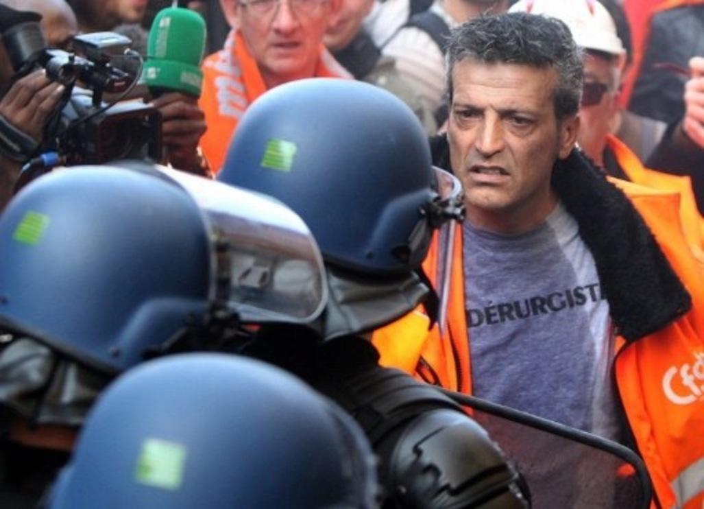 Les-metallos-de-Florange-refoules-du-QG-de-Nicolas-Sarkozy_article_popin_lacroix