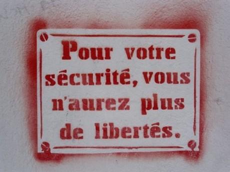 Tunisie: pour votre sécurité, vous n'aurez plus de liberté