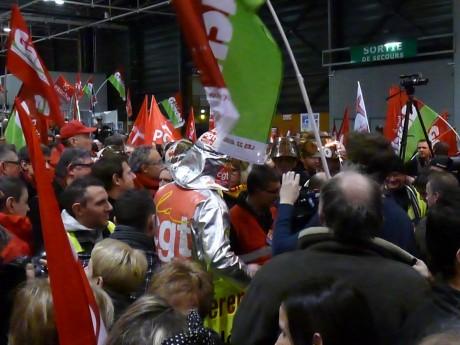 ArcelorMittal: la CGT envahit la salle des négociations