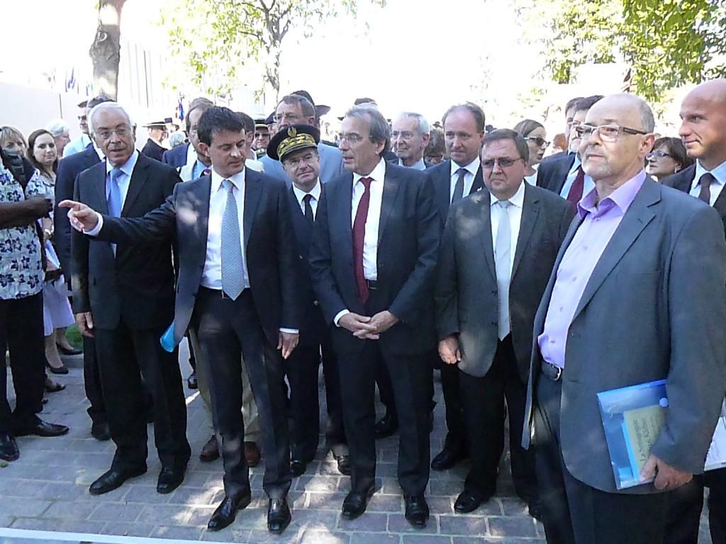En marge de l'inauguration de l'Allée des Justes à Strasbourg, l'insécurité règne, même dans les Salons de l'Hôtel de ville place Broglie, en présence du ministre de l'Intérieur et des fonctionnaires de la SHPP