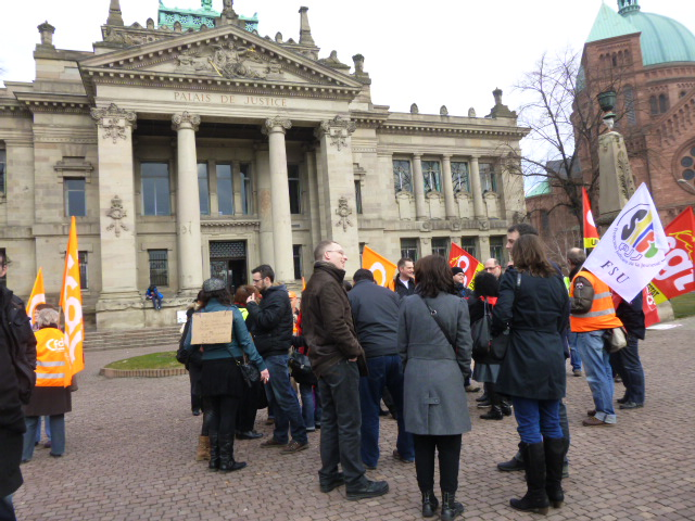 PJJ en grève Strasbourg feuille2chouphoto