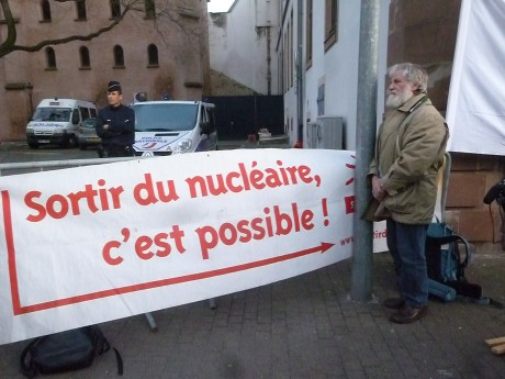 De tout, un peu: Fessenheim/DNA et moraline/ France-Israël à l'ENA/