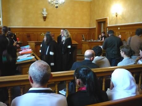 Profanations de cimetières à Strasbourg: 3 nazillons jugés coupables, les vrais responsables courent toujours…