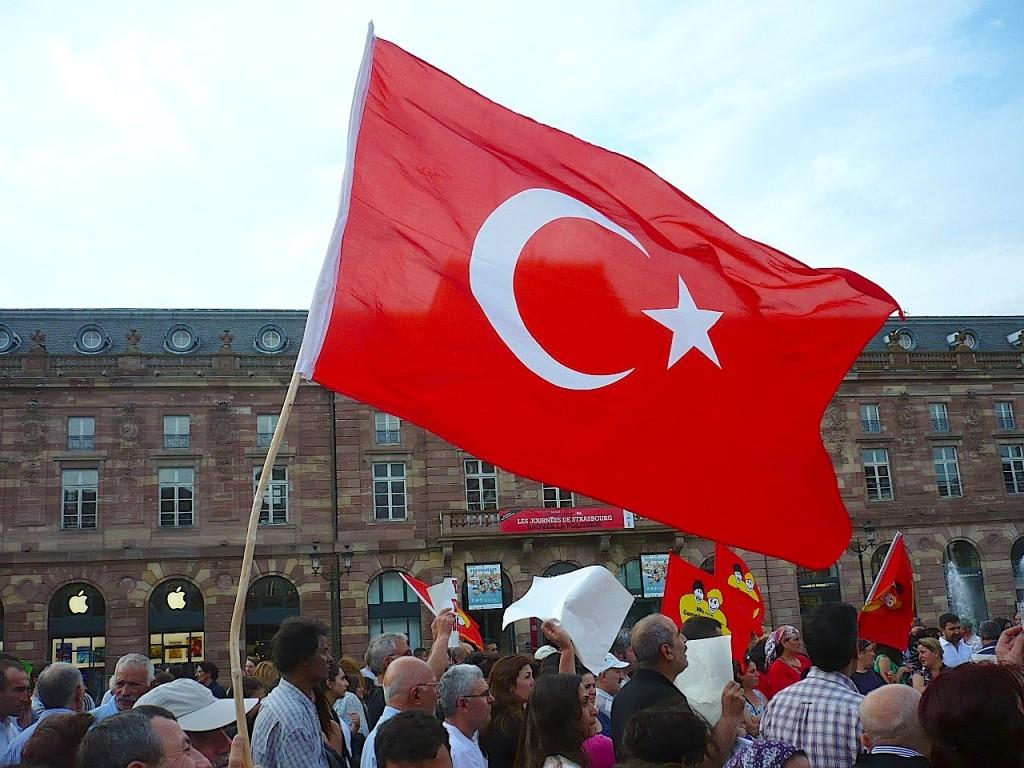7e rassemblement de soutien au peuple turc place Kléber ce soir