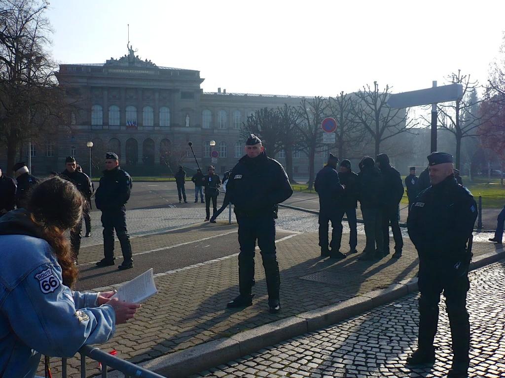 Hollande à Strasbourg : la police contre les universitaires