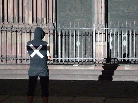 14e action de nuit des interluttants place de la cathédrale de Strasbourg