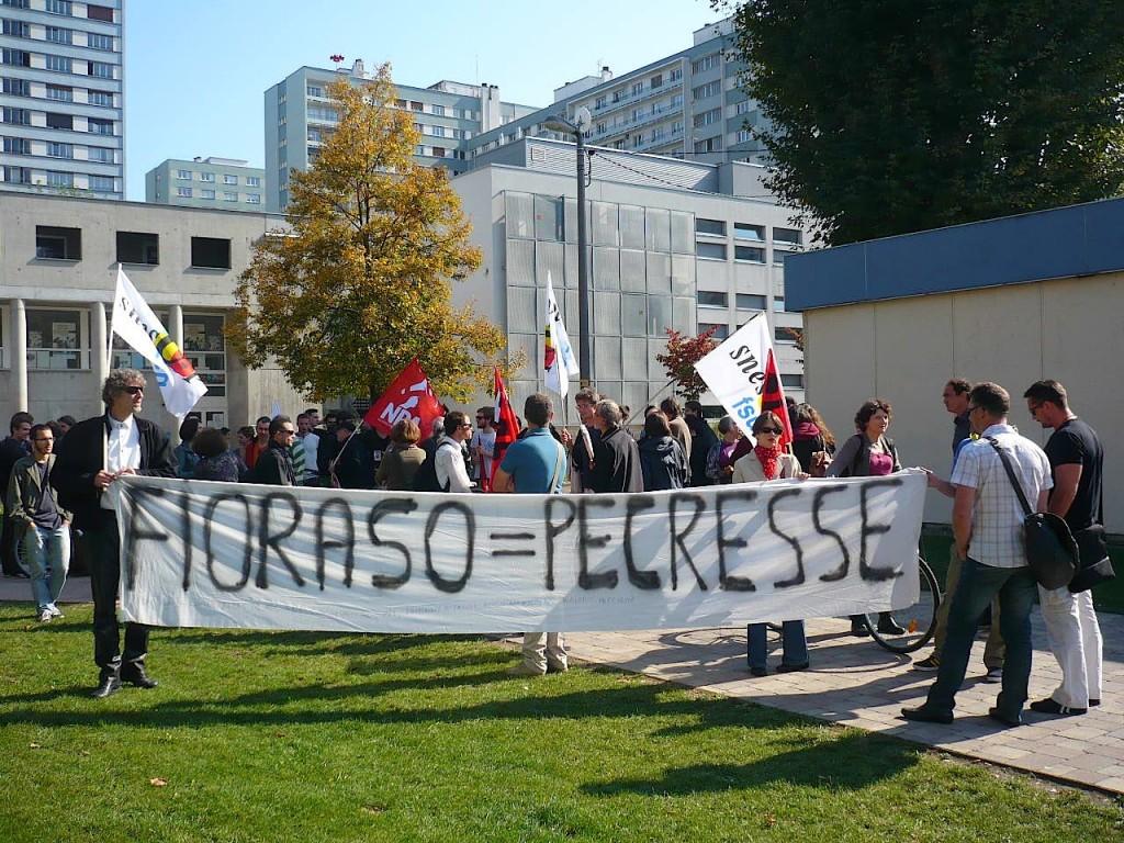 FIORASO = PÉCRESSE : Manifestation contre l'austérité à l'Université de Strasbourg