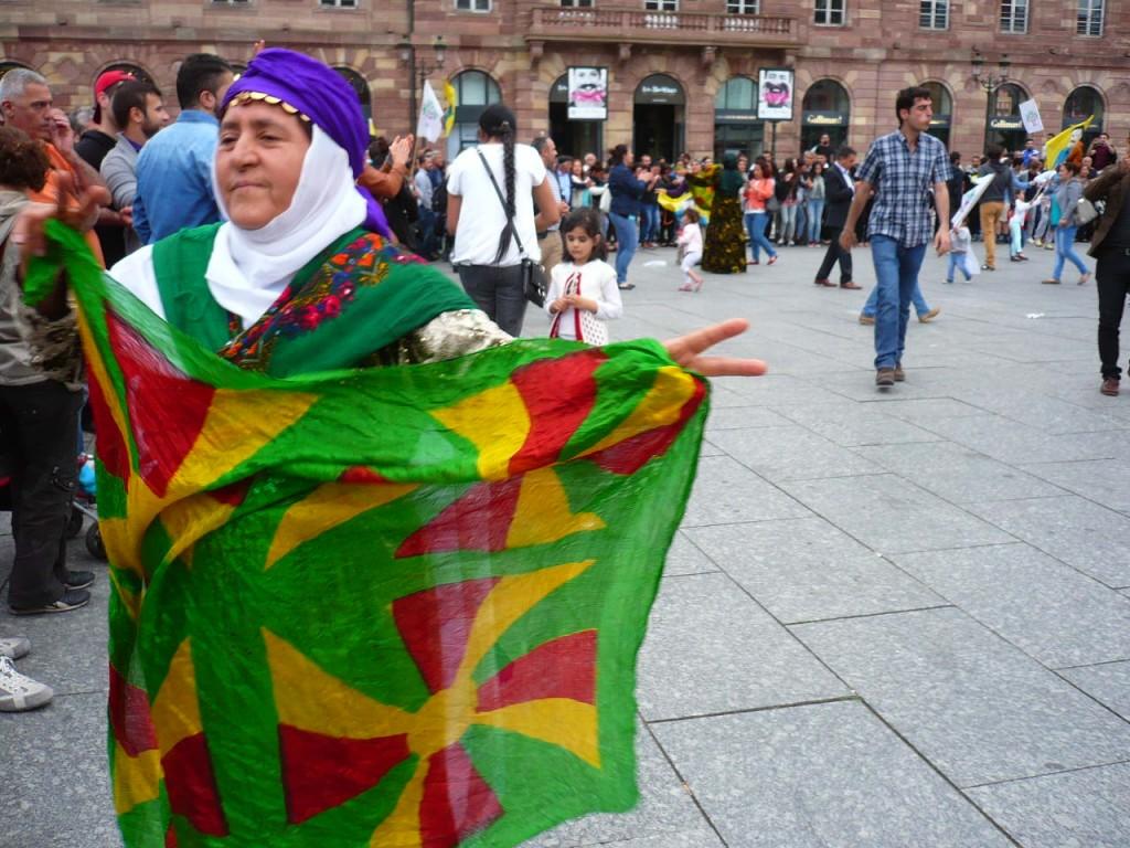 Les Kurdes de Strasbourg fêtent la victoire du HDP