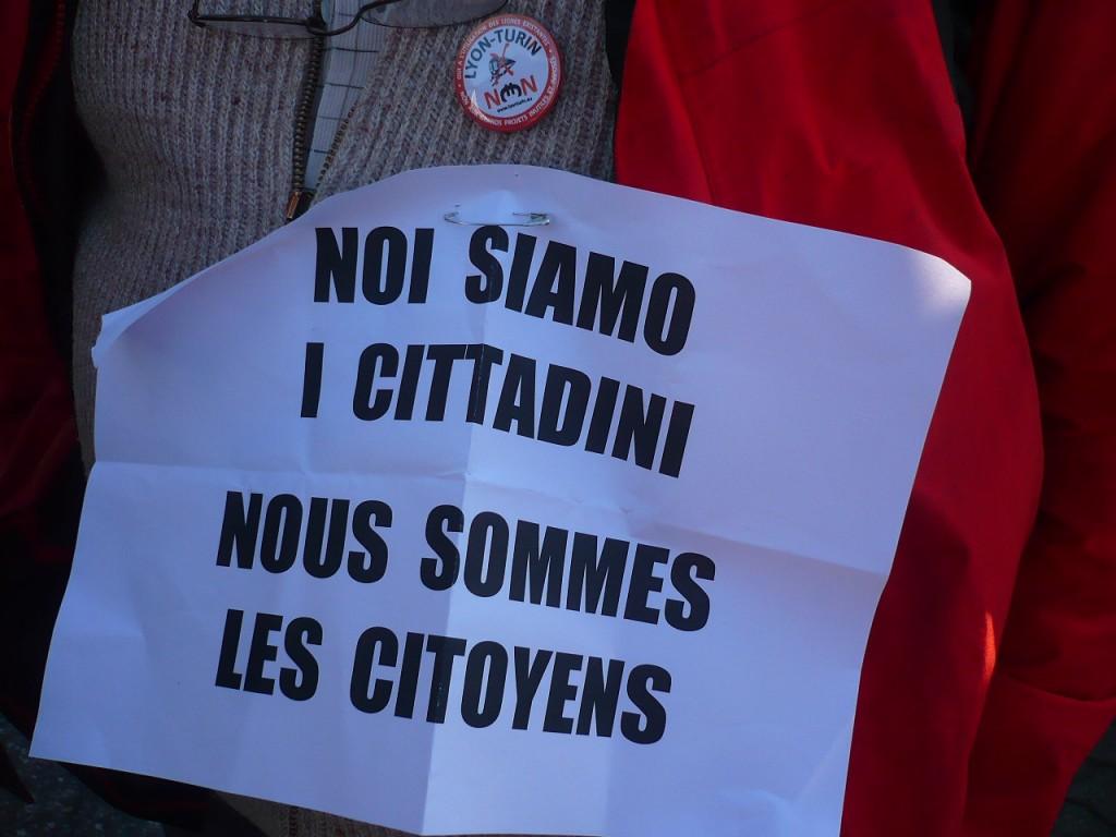 Les citoyen-ne-s en lutte contre les Grands Projets Inutiles et Imposés entrent dans le Parlement Européen