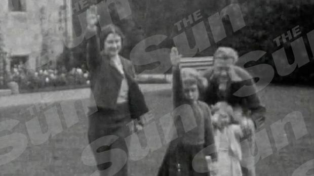 Edouard VIII fait faire un salut nazi à la future reine Elisabeth II