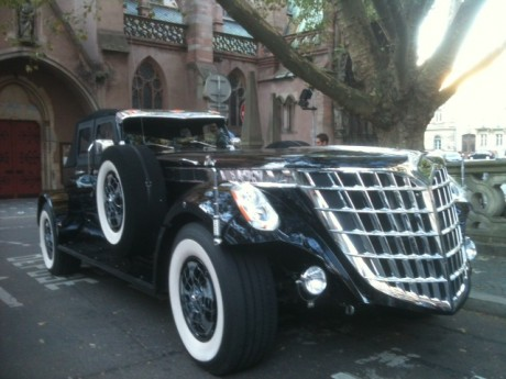Un véhicule (hideux) de Sheikh Hamad bin Hamdan devant le Sofitel de Strasbourg