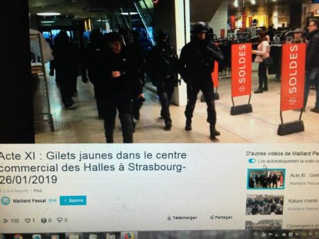 Les CRS font les soldes au Centre commercial des Halles à Strasbourg