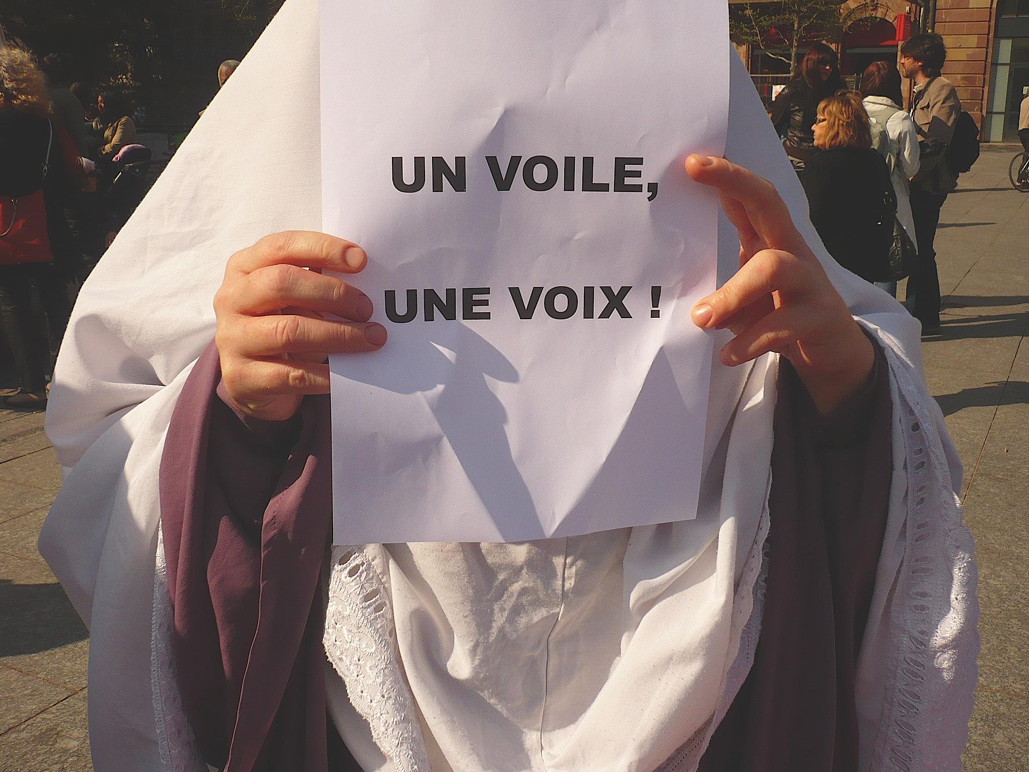 """Islamophobie électorale à Bobigny et anticommunisme primaire, suivi de """"Ne pas jouer avec le feu"""" [Mrap]"""