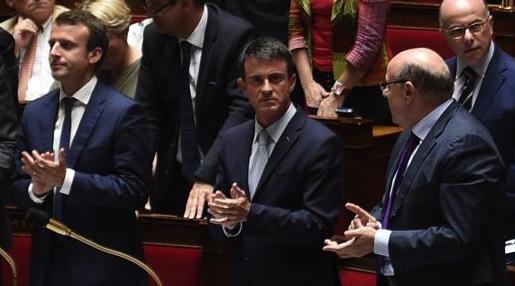 Assemblée nationale : Standing ovation du PS en hommage à Pasqua