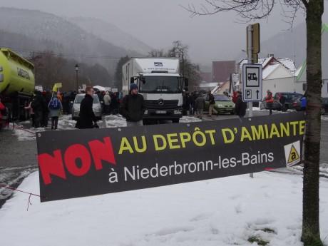 300 manifestants contre l'amiante à Niederbronn-les-Bains
