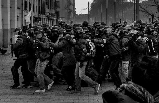 Silence médiatique sur les dizaines de manifestants et de journalistes blessés à Nantes