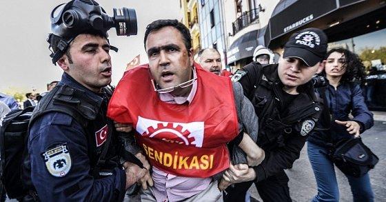 Turquie : la place Taksim interdite aux manifestants. UN 1ER MAI SOUS TENSION