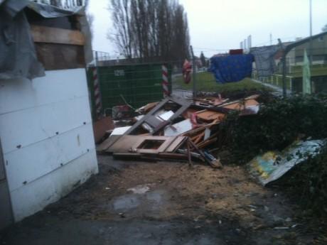 baraque détruite f2c