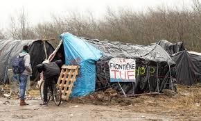 A Calais, « ne nous laissez pas aux mains des trafiquants d'êtres humains ! »