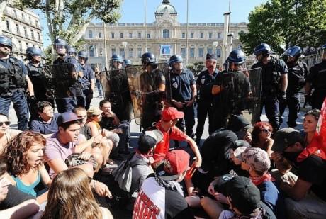 Violences policières à l'encontre de militants antifascistes à Marseille : la police a choisi son camp et c'est celui du FN !