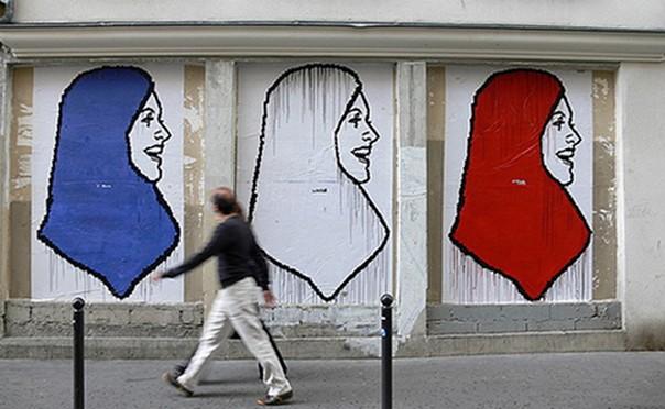 """Interdiction du voile à l'université: """"L'idée, c'est que les musulmans posent problème peu importe où ils se trouvent"""""""