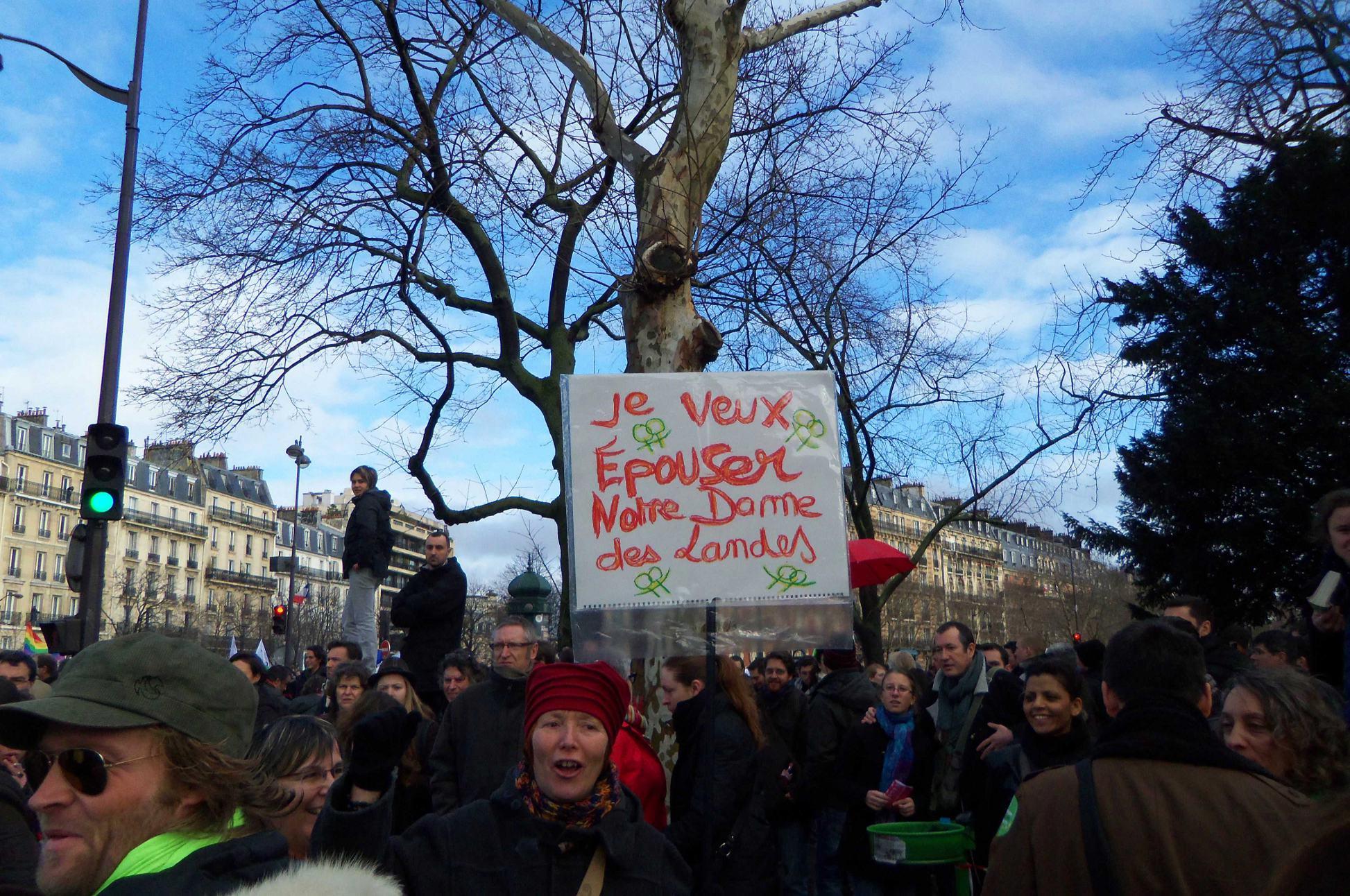"""La meilleure pancarte de la manifestation """"mariage pour tous-tes"""""""